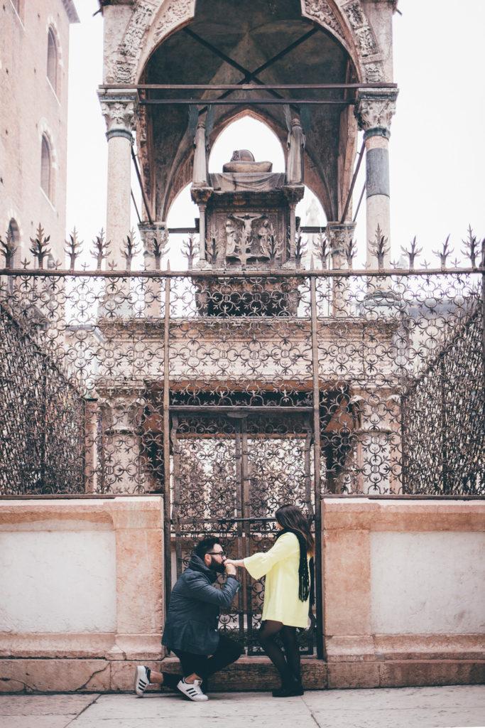 Foto di coppia alle arche scaligere di Verona
